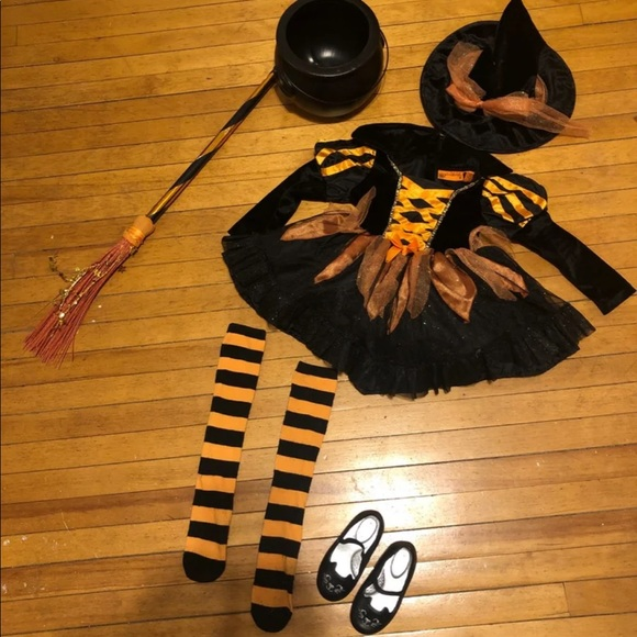 spooked Other - Size 3t Toddler witch costume